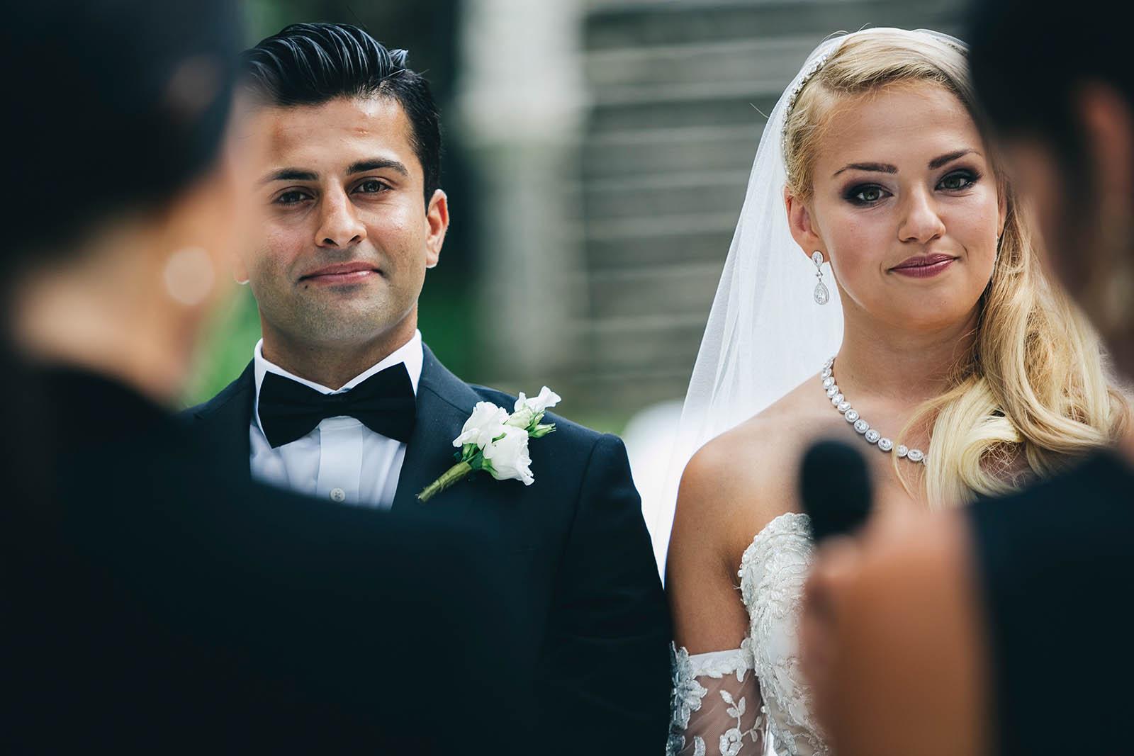 JULYA & ARZAYS   La storia di due giovani cittadini del mondo.